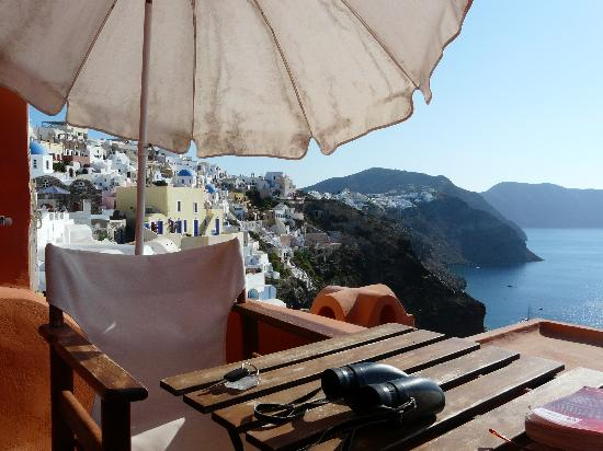 House Nicoletta: Balcony view to Oia