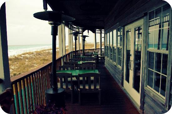 Henderson Park Inn: Restaurant Deck