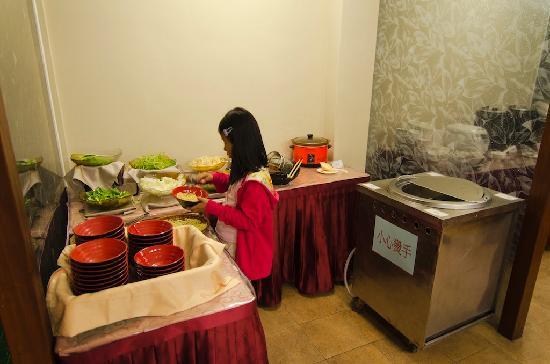 Wuling Village Hotel: Menu buffet
