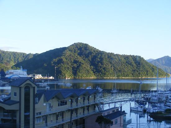 Harbour View Motel Picton: View over the harbour from the second floor