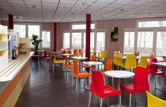 Premiere Classe Cergy Pontoise: Salle petit déjeuner