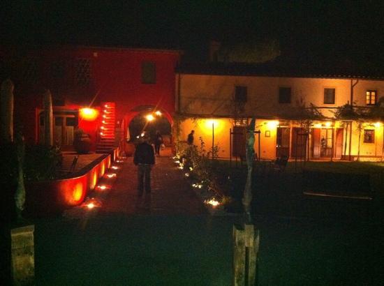 Illuminazione notturna picture of borgo san giusto empoli