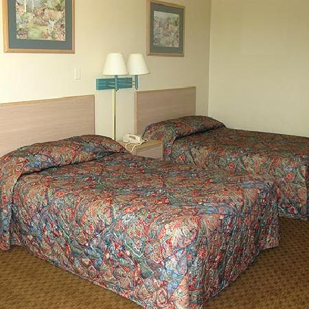 Red River Inn Alexandria : Red River Inn 2 Double Beds