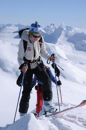 Selkirk Mountain Experience Lodge: Durrand Glacier: Ski-Touring at the Durrand Glacier Chalet