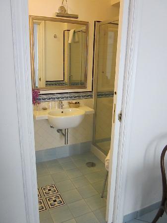 إل دوكاتو دي رافيلو: Beautiful Bathroom