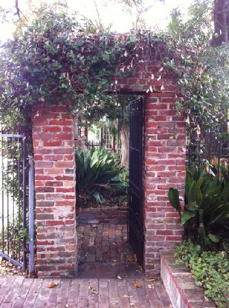 The New Orleans Jazz Quarters: beautiful gardens