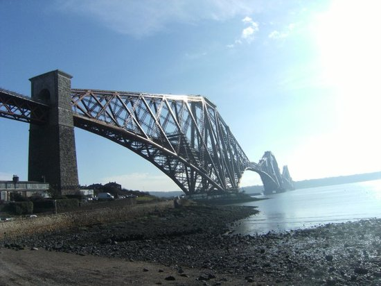 Норт-Куинсферри, UK: Forth rail bridge....North Queensferry