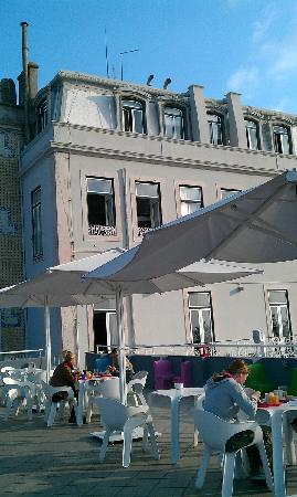 Lisb'on Hostel: Roof terrace