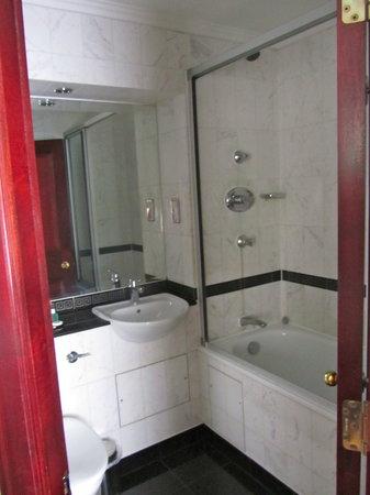 Grange Fitzrovia Hotel: Perfect Bathroom