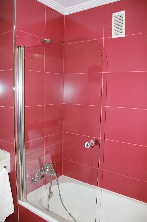 Hotel G3 Marques de Berlanga: Bathroom1