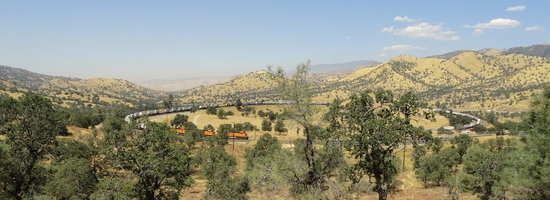 Tehachapi, Californië: What a sight! We ate lunch while overlooking this vista.