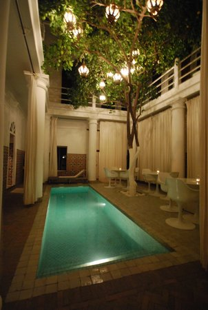 Hotel du Tresor: Courtyard