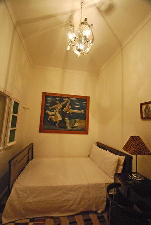 Hotel du Tresor: Hitchcock room