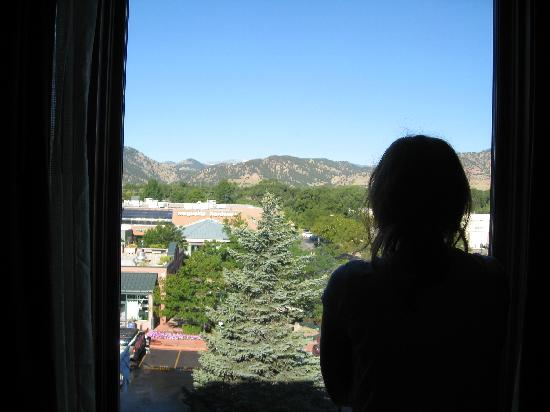 Boulder Marriott: View of the Rockies from the room!