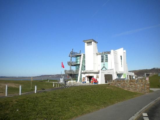 Llanelli, UK: Flanagan's Coastline Cafe, North Dock