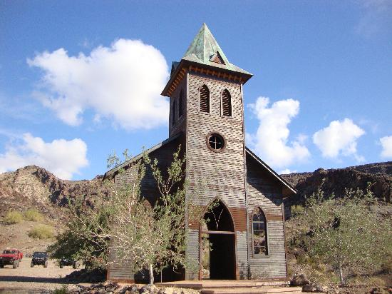 Desert Bar and Nellie E Saloon: Church front at the Desert Bar