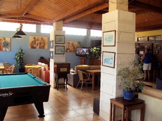 Luzmar Villas: Cafetería y sala de juegos.