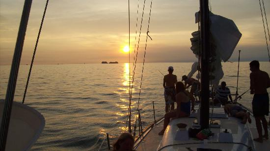 Surfari del Mar - Day Tours : sunset at the mooring