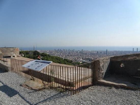 MUHBA Turo de la Rovira : Barcelona toward Torre Agbar