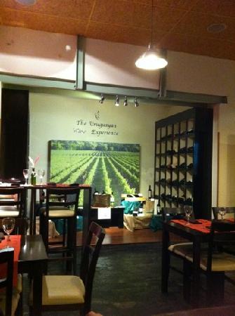Corchos Bistro y Boutique de vinos: Corchos