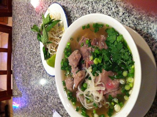 New Saigon: 生牛肉河粉!