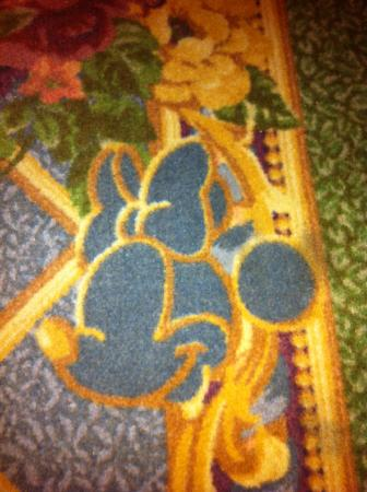 Hong Kong Disneyland Hotel: Minnie Mouse on the Carpet