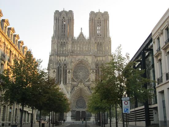 Ibis Styles Reims Centre Cathédrale : The Cathedral - around the corner