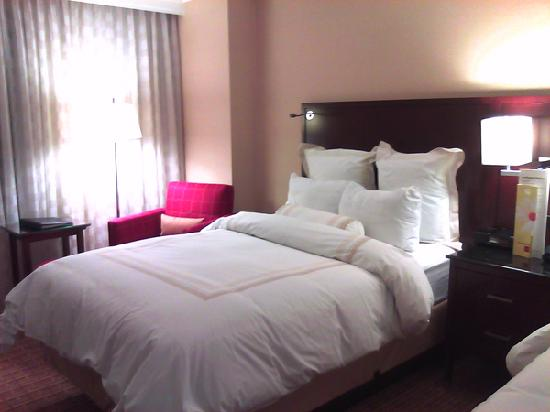 Atlanta Airport Marriott Gateway: twin bedroom
