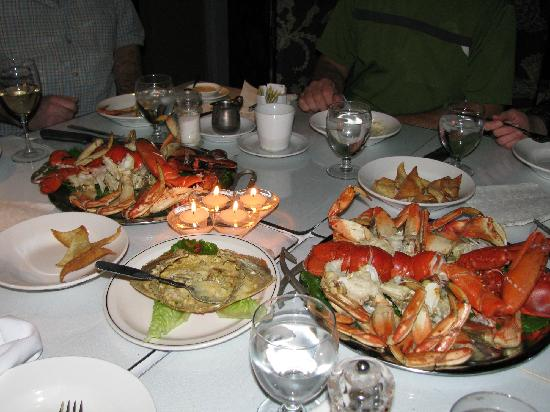 Orlando's Seafood Grill: Lobster and Crab served chilled, and fabulous crab dip