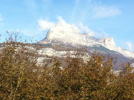 Holiday Inn Express Grenoble - Bernin : Guest room view