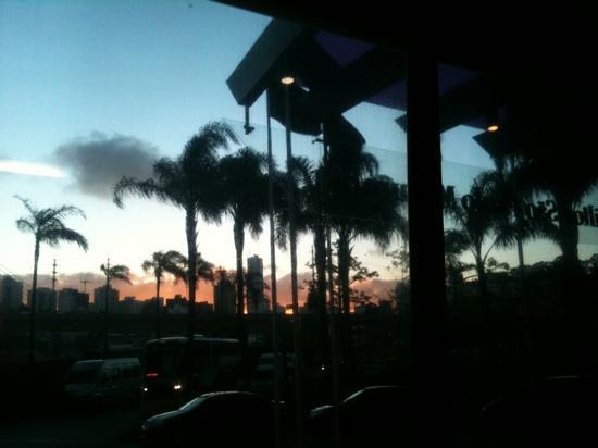 Hilton Sao Paulo Morumbi: nice sunset view from hotel...