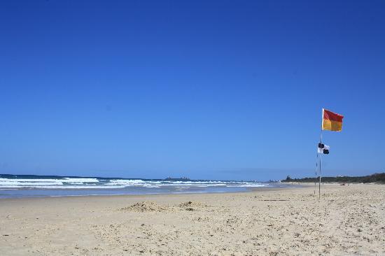 Atlantis Marcoola: the surf patrolled beach was very quiet!!