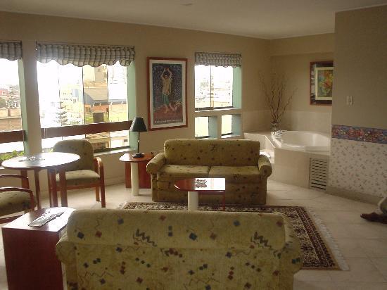 Daniel's Apart Hotel: Suite