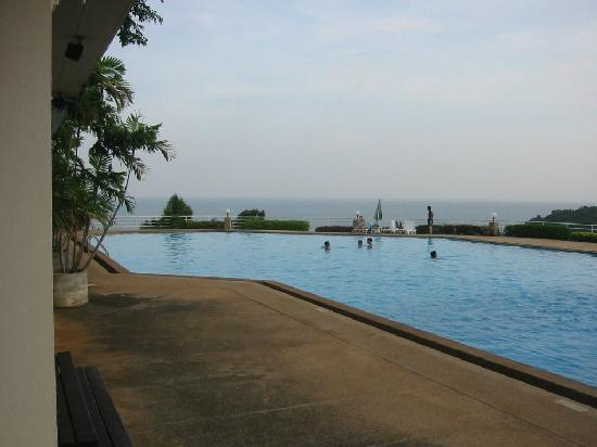 Hinsuay Namsai Resort Hotel: Upper hotel swimming pool