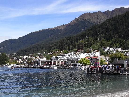 Garden Court Suites & Apartments: scenic Queenstown