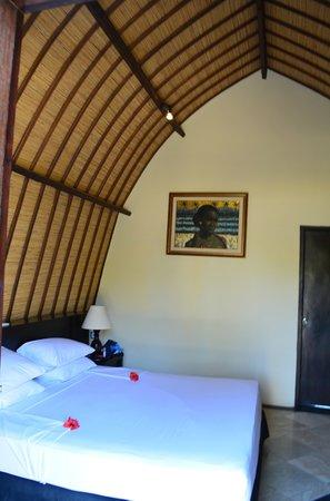 فيلا أومباك هوتل: inside our room