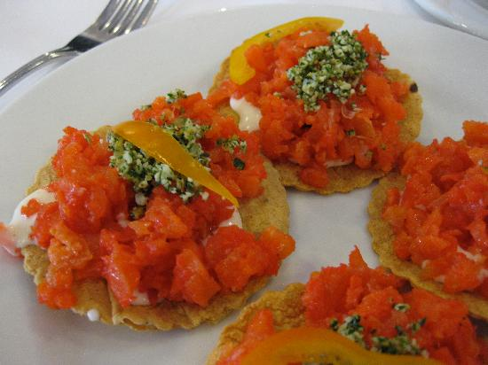 Restaurante El Cardenal: Smoked trout tostadas