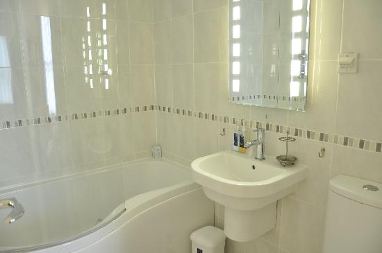 Mount Edgcombe: The en suite in one of our Double Rooms