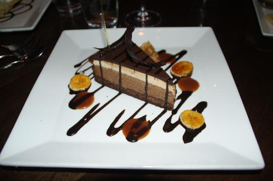 BlackSalt Fish Market & Restaurant: The peanut butter and chocolate cake, yummy as well !