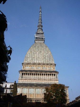 安托内利尖塔