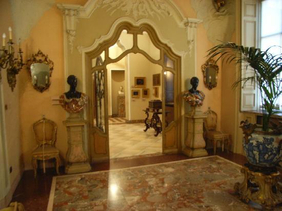 Museo Poldi Pezzoli: Im Inneren ist jeder Raum mit Kunstwerken angefüllt