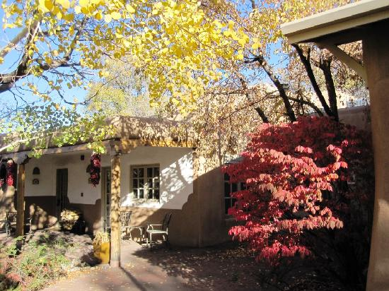 Inn on the Alameda: Fall colors by the suites