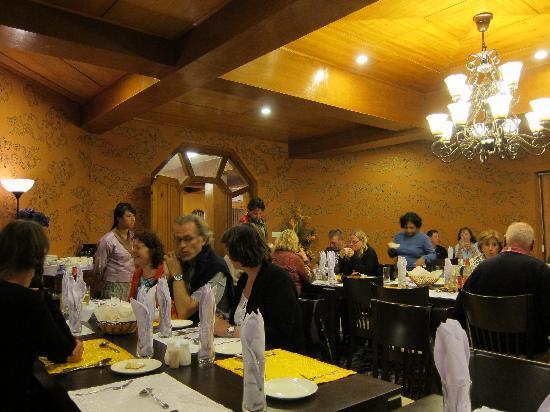 Tandiling Resort: dining room