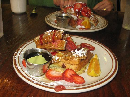 The Maple Tree Cafe : Stuffed French toast