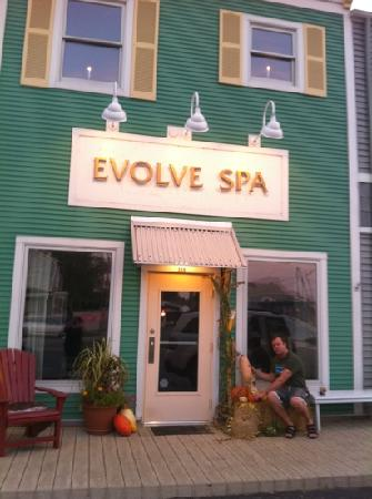 Evolve Spa: A harvest celebration, massage and facial packages with wine, private spa parties, couples massa