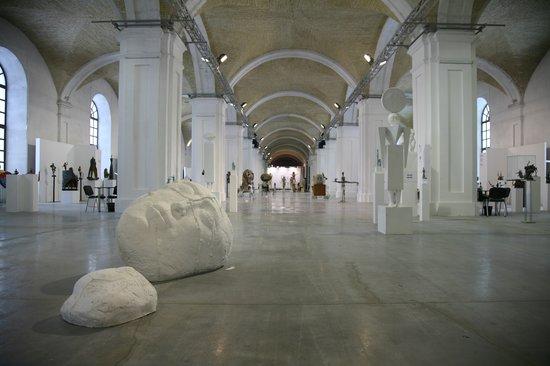 Mystetskyi Arsenal-Interior