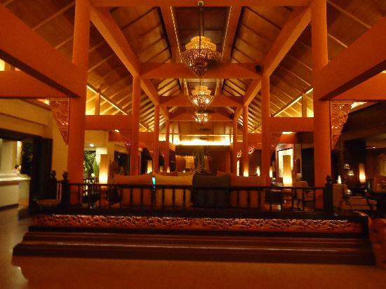 Siripanna Villa Resort & Spa: Lobby Area.