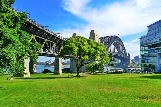 Kirribilli Village Apartments Sydney : Walking distance from apartment