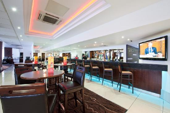The RE London Shoreditch: Bar/Lobby