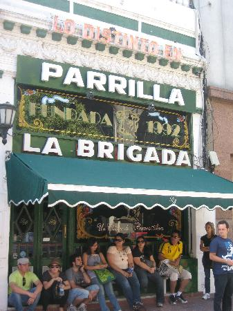 La Brigada Parrilla: La Brigada - The people wait